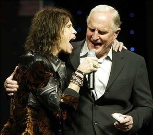 Aerosmith's Steven Tyler with Intel CEO Craig Barrett singing along